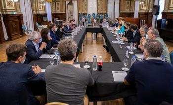Kicillof se reunió con los intendentes de la primera sección: gestión, vacunas y obras | Provincia