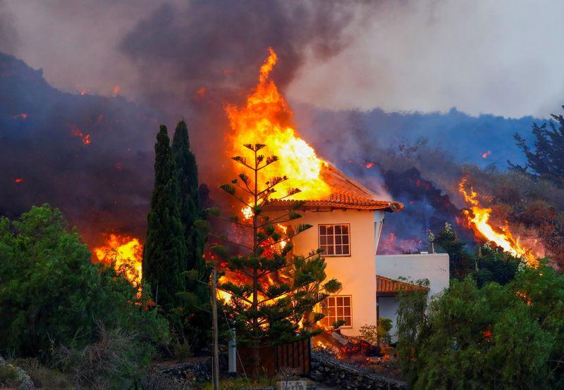 Catástrofe en España por la erupción del volcán de La Palma   Fenómenos naturales