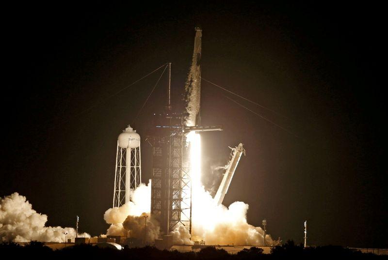 Histórica modificación en la NASA abre las puertas a empresas privadas | Nasa