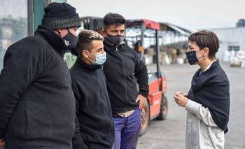 Mayra Mendoza visitó Fibras Argentinas y charló con comerciantes   Quilmes