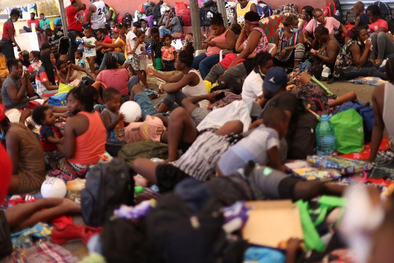 México reanudará vuelos de retorno de migrantes haitianos | Inmigración