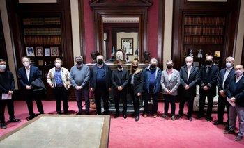 Kicillof replica las medidas de Nación y se reunió con productores de carne   Carne