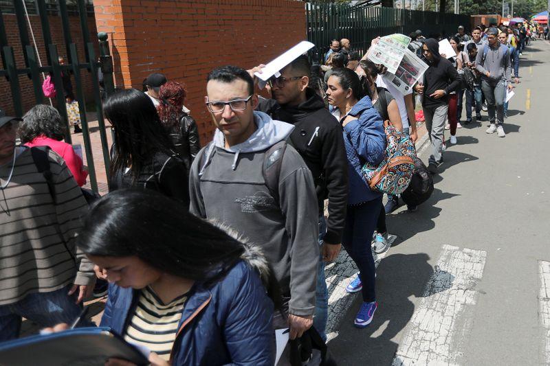 Desempleo en Colombia acentúa descenso en agosto | Desempleo