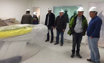 Río Gallegos: De Vido recorrió obras del Centro de Medicina Nuclear   Plan nacional de medicina nuclear