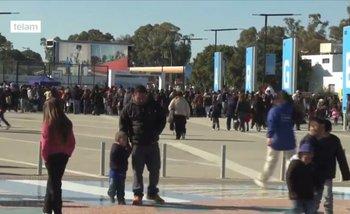 El informe de Télam sobre la cantidad de gente que fue a Tecnópolis...con imágenes del 2014   Telam