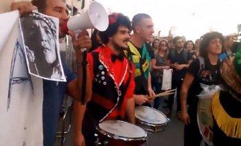 Argentinos protestan frente al hotel donde se hospeda Macri en Italia   Macri presidente