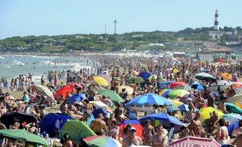 Por la crisis, los alquileres en la costa están por las nubes y el consumo se desploma   Por rodrigo núñez