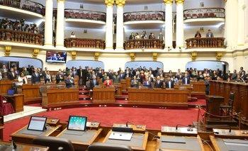 Perú: el Congreso suspendió a Vizcarra y ahora hay dos presidentes | Perú
