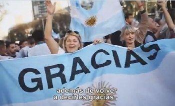"""Un cartel a favor de la reforma laboral apareció en el último spot de Macri    Marcha del """"sí, se puede"""""""