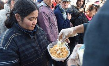 El 45% de los habitantes de AMBA disminuyó la porción de comida   Crisis económica
