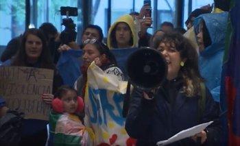 Ecuatorianos irrumpieron en las oficinas del FMI y los responsabilizaron por la crisis | Ecuador