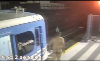 Un hombre se bajó desnudo del Tren Sarmiento y salió corriendo por las vías | Tren sarmiento