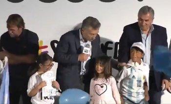 La cruel frase de Macri para echar del escenario a un chico que quería una foto | Elecciones 2019