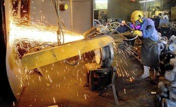 La actividad económica se derrumbó casi 4% en agosto y se agrava la crisis   Crisis económica