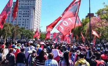 Organizaciones sociales realizan un polentazo ante el FMI y marchan a Desarrollo Social | Fmi