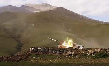 Azerbaiyán atacó con proyectiles la capital de Nagorno Karabaj   Armenia