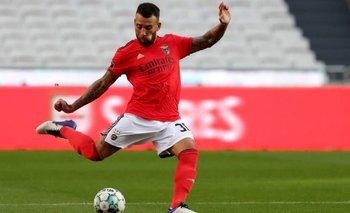 VIDEO: El blooper de Nicolás Otamendi en su debut en el Benfica   Fútbol