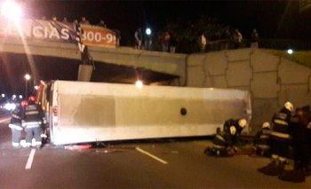 Video: así cayó el colectivo en la General Paz | Accidente vial