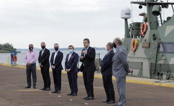 Massa y Meoni anunciaron la reactivación del Puerto de Posadas   Transporte