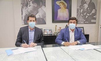 Wado de Pedro con Fernando Espinoza en La Matanza   Coronavirus en argentina