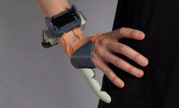 Crean un segundo pulgar robótico que el cerebro reconoce | Tecnología