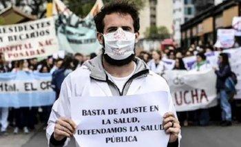 En el día de la Enfermería, trabajadores marchan por sus derechos negados | Personal de la salud