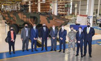 Rossi recorrió una fábrica en Brasil y analizó compras para el Ejército | Defensa