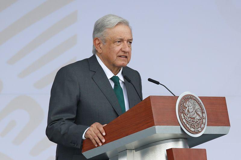 Manifestantes logran entrar en acto oficial de presidente mexicano López Obrador   México