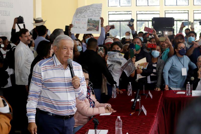 López Obrador dice hay que investigar a mexicanos mencionados en Papeles de Pandora | México