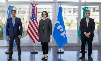 Miembros de la Embajada de EE.UU. se reunieron con las autoridades de YPF   Energía