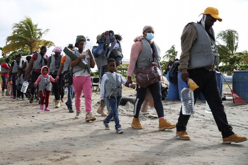 Récord de niños migrantes se dirigen de Panamá a EEUU | Inmigración