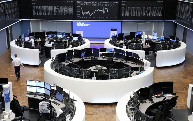 Las bolsas europeas en rojo por la aversión al riesgo antes de los resultados | Finanzas