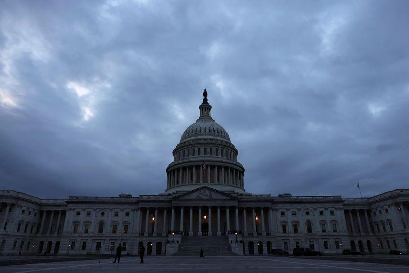EEUU se dispone a aprobar proyecto que sube techo de deuda y evita impago | Deuda