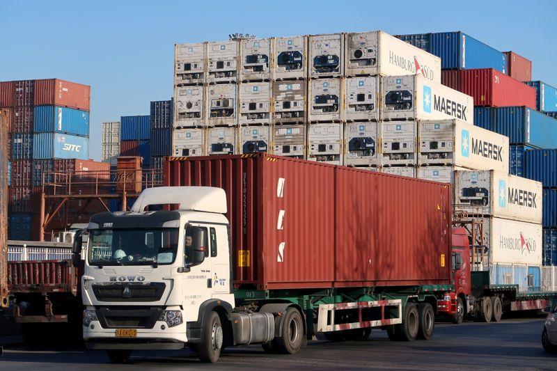 Las exportaciones chinas superan las previsiones en plena escasez de energía   Comercio