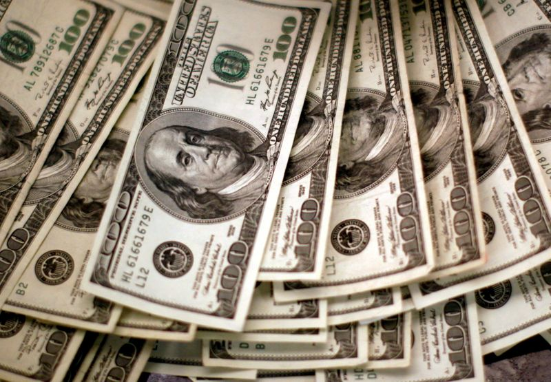 Dólar se toma un respiro en las ganancias por mejoría de apetito de riesgo   Dólar