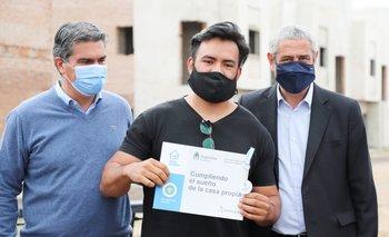 Ferraresi y Capitanich entregaron viviendas y créditos hipotecarios en Chaco | Procrear
