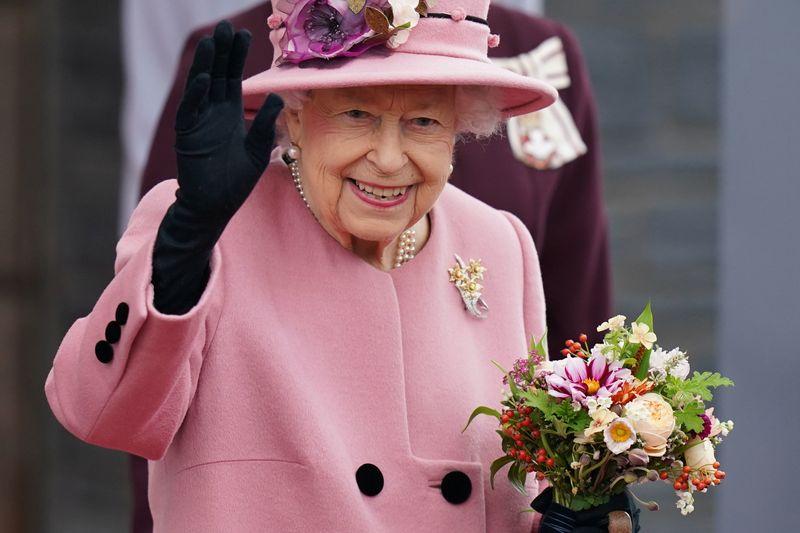 Los médicos recomiendan reposo a la reina Isabel   Familia real