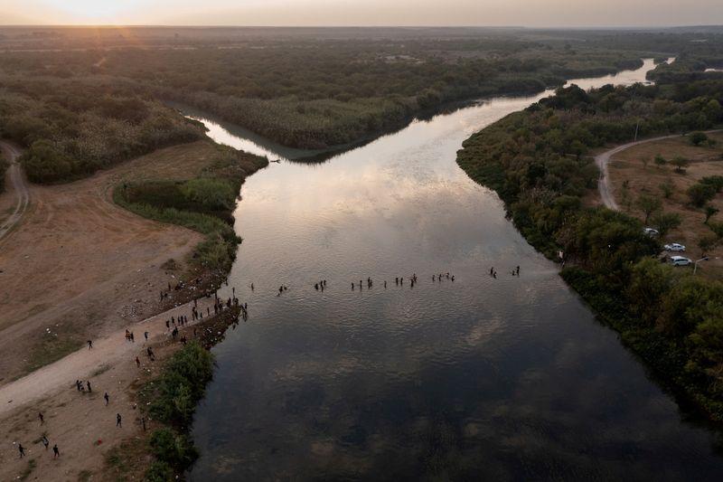 Crece la crisis migratoria entre EEUU y México   Inmigración