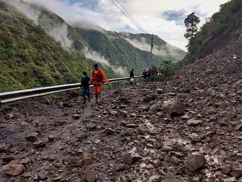 Inundaciones dejan más de 150 muertos en India y Nepal | Cambio climático