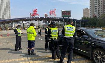China confina una ciudad a 4 millones de personas por un nuevo brote   Coronavirus