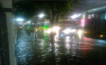 Diluvio en Buenos Aires: hay calles inundadas y alerta meteorológico | Temporal