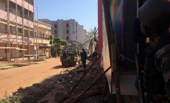Liberaron a 80 rehenes del hotel de Mali: hay tres muertos | Francia