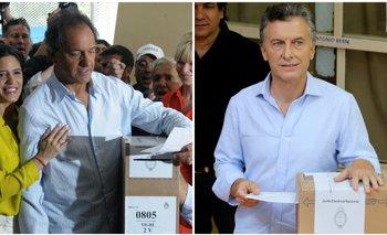 Votaron los dos candidatos en un balotaje que se desarrolla con normalidad   Daniel scioli