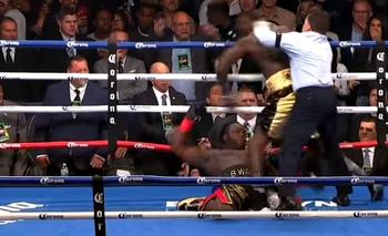 VIDEO: Lo noqueó tres veces en el primer round y se coronó campeón | Boxeo