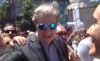 Concentración en Plaza de Mayo para repudiar el despido a Víctor Hugo Morales   Despidieron a víctor hugo