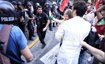 Unicaba: las imágenes más duras de la represión en la Legislatura porteña | Legislatura porteña