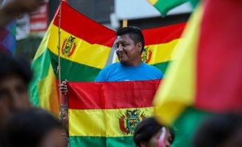 Masiva movilización contra el golpe de Estado en Bolivia en pleno centro porteño | Golpe en bolivia