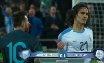 """El cruce de Messi con Cavani: """"Te espero afuera""""   Video"""