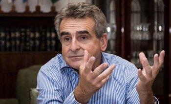 Rossi propuso un fondo para reequipar a las Fuerzas Armadas | Alberto presidente