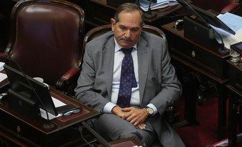 Alperovich volvió al país: el Senado trata su licencia  | José alperovich